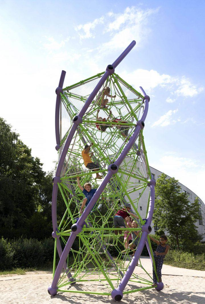מתקני משחקים | מתקני כבלים | מתקן טיפוס אתגרי DNA | מתקני שעשועים