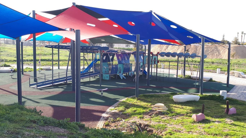 מתקני משחקים | פרויקט פארק כרמי גת קרית גת | מתקן טיפוס וגלישה | מתקני שעשועים
